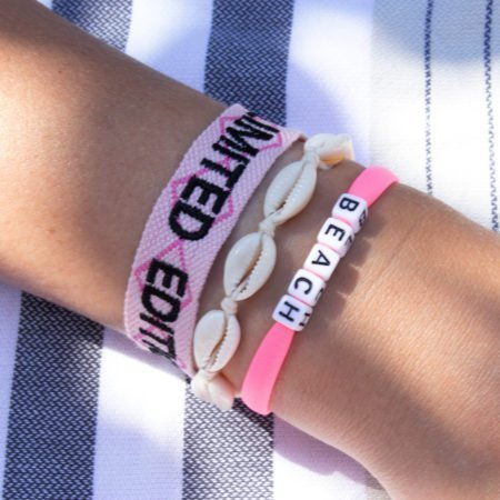 Limited+schelp+letter.armband