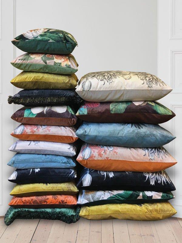 Cushions Aw19