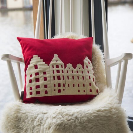 AMSTERDAM CITY PILLOW – MEDIUM – RUBY RED – VELVET