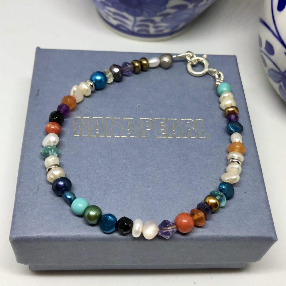 Armband met parels en edelstenen, zilver