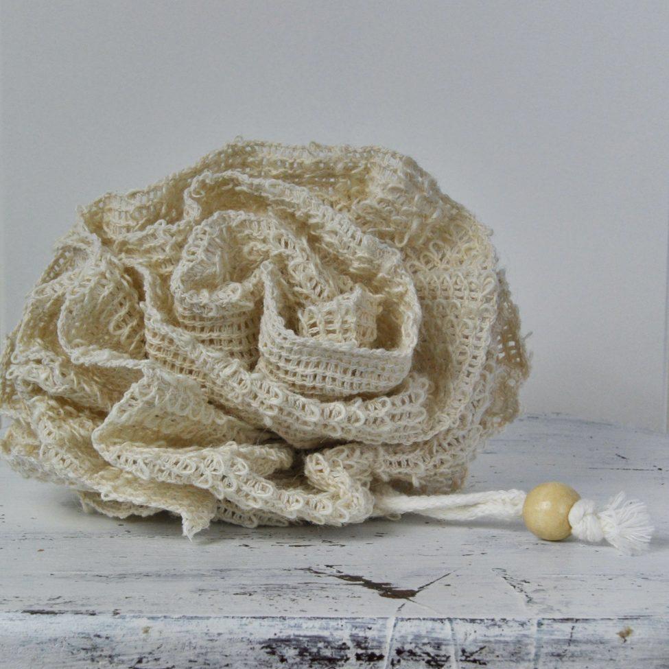 Een foto van een sisal massage bloem voor in bad of onder de douche.