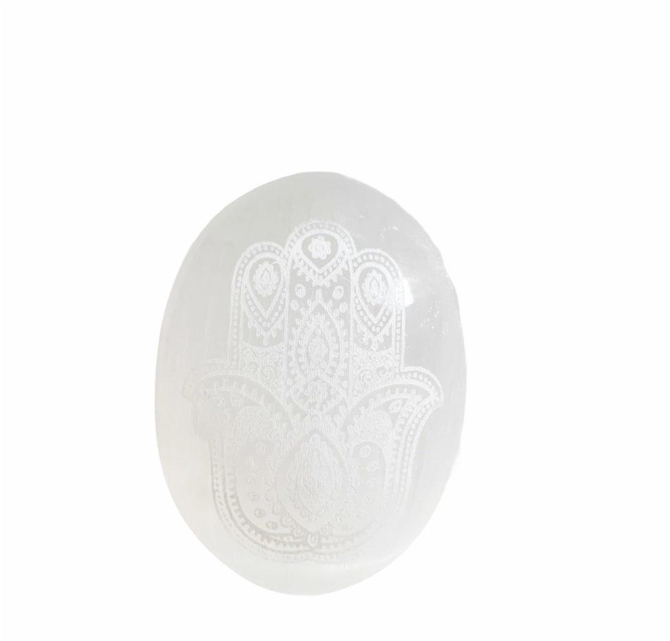 witte seleniet handzame steen zaksteen afbeelding hamsa hand van fatima, bescherming, geluk liefde by sas 2.3