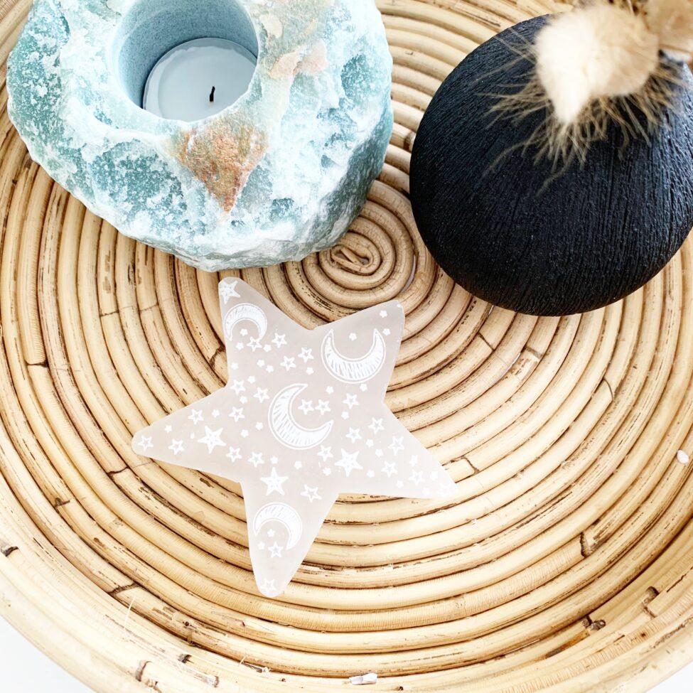 witte seleniet ster opladen en ontladen display voor sieraden by sas 2.3