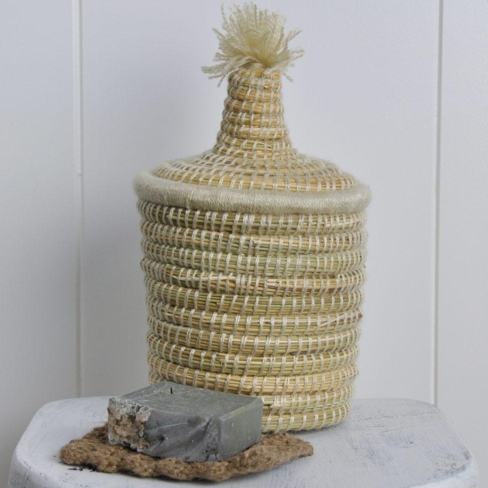 berberbasket met een zeeppad van hennep en een tuk Fraai zeep