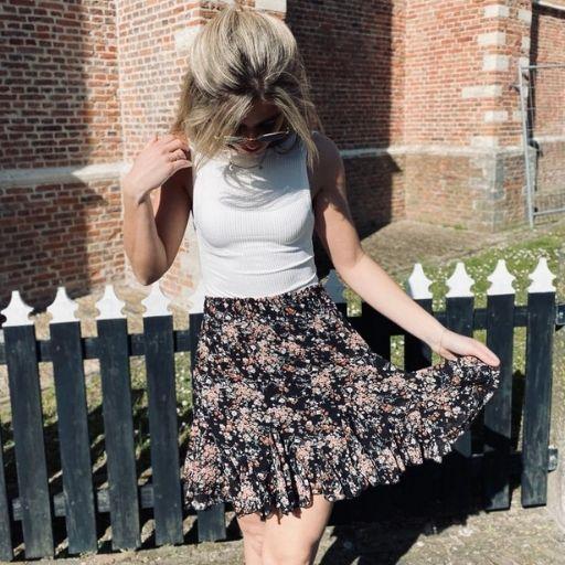 zwart rokje met bloemetjes mocha fashion