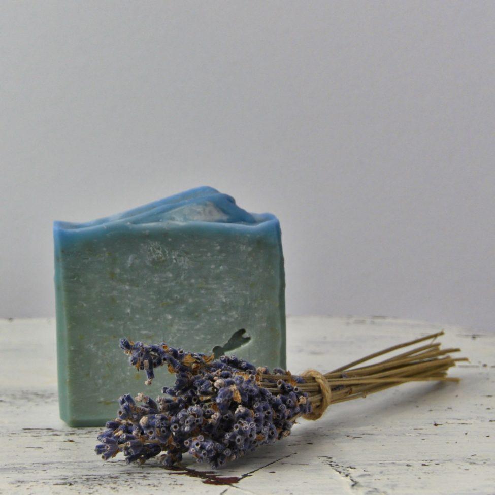 lavendellief zeep met bosje lavendel